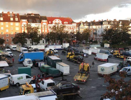 Wochenmarkt auf dem Blücherplatz von Donnerstag auf Mittwoch vorverlegt: Über 60 Autos vom Blücher abgeschleppt