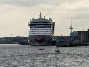 AIDAluna am Kreuzfahrtterminal Ostseekai Kiel