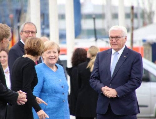 Angela Merkel und Frank-Walter Steinmeier im Kieler Schifffahrtsmuseum am Tag der Deutschen Einheit