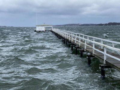 Bootssteg Kiellinie Kiel Kieler Förde Hochwasser