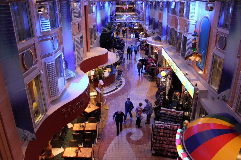 Shopping auf der Color Line Fähre Kiel-Oslo
