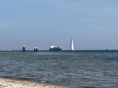 Falckensteiner Strand Containerschiff Sonderborg