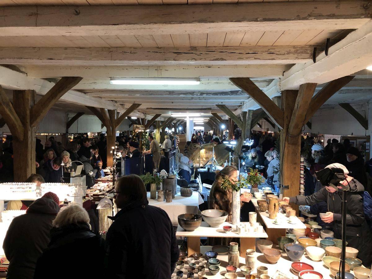 Scheune Weihnachtsmarkt Gut Bossee