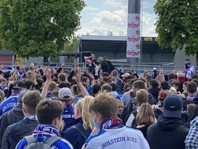 Fans Kiel - Darmstadt am Holsteinstadion 23.05.2021