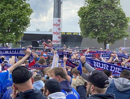 Kieler Fans vor dem Holsteinstadion beim Spiel Kiel – Darmstadt am 23.05.2021