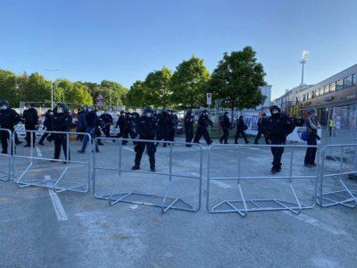 Holstein Kiel - Köln Relegationsspiel Polizei am Holstein-Stadion