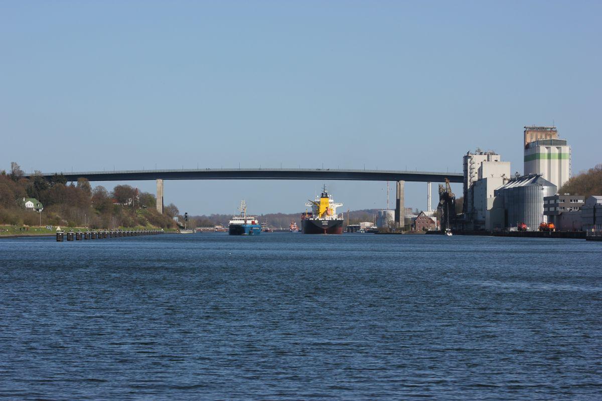 Nord-Ostsee-Kanal Holtenauer Hochbrücke