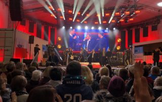 Johannes Oerding und Peter Maffay in Kiel am 3. Oktober 2019 Tag der Deutschen Einheit Konzert auf der NDR-Bühne
