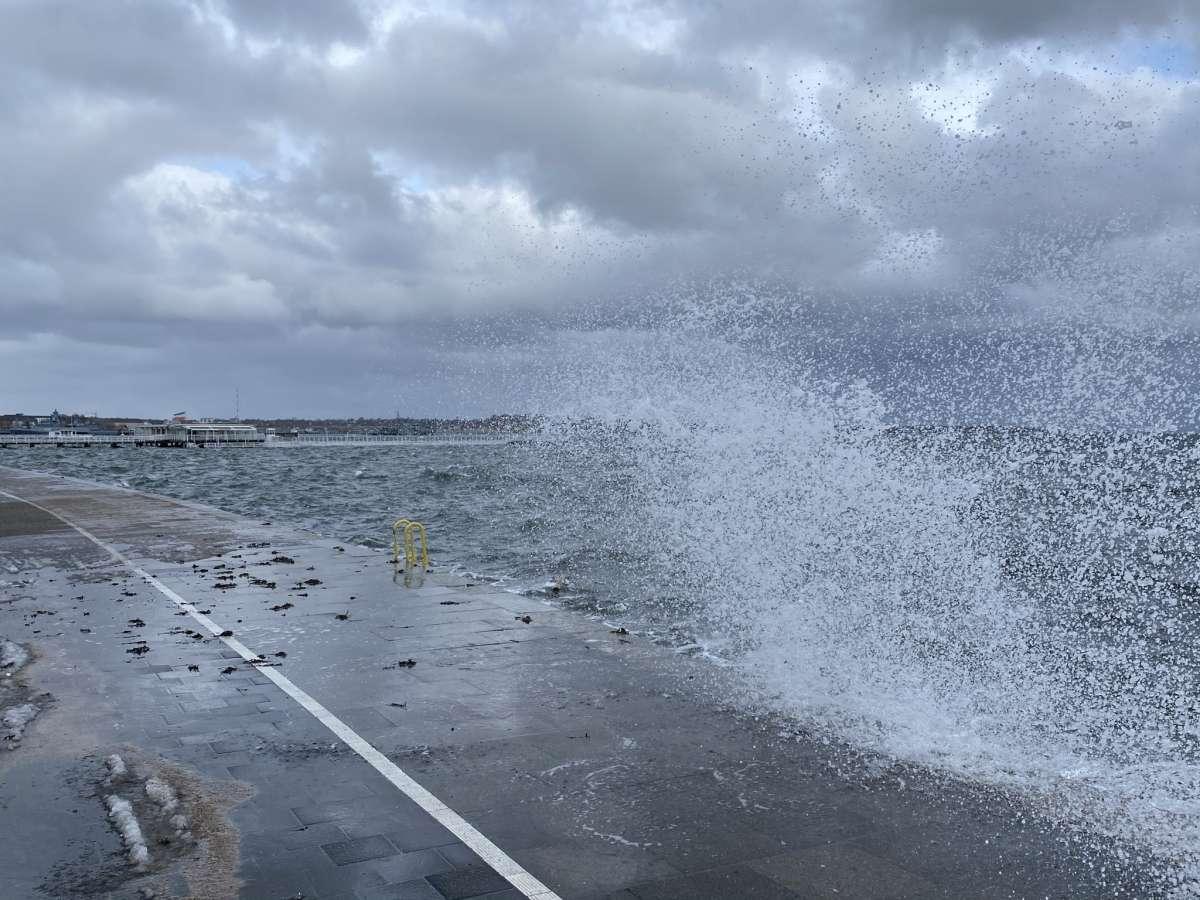 Hochwasser Kiellinie Kiel Sturm Tristan Februar 2021