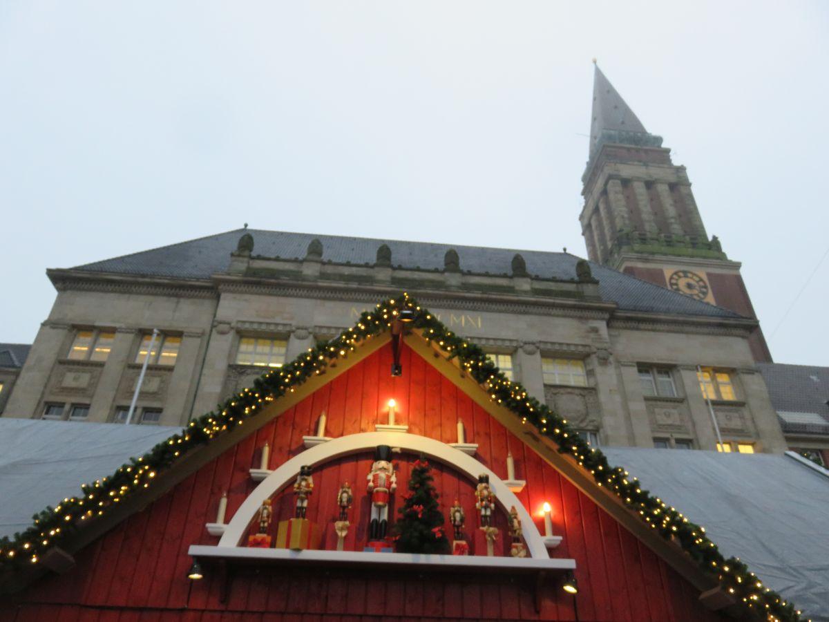Kieler Weihnachtsdorf auf dem Rathausplatz