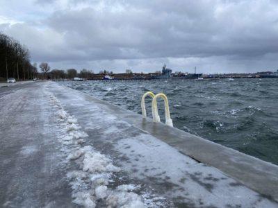 Kieler Förde Hochwasser & Eis Kiellinie Februar 2021