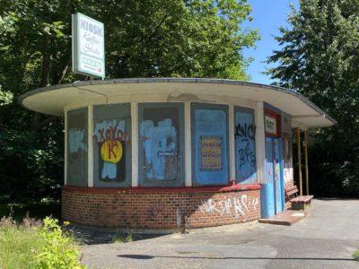 Kiosk Straßenbahn Wartehalle Herthastraße Kiel