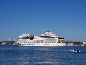 Kreuzfahrtschiff AIDAsol Kieler Förde