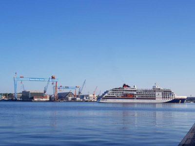 Kreuzfahrtschiff Hanseatic Inspiration Kieler Förde