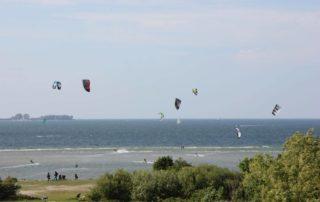 Kitesurfer in Laboe an der Ostsee