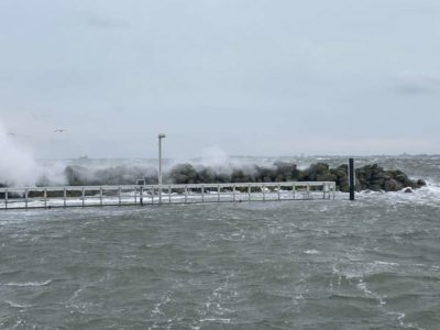 Mole Kiel-Schilksee Wintersturm Tristan 2021