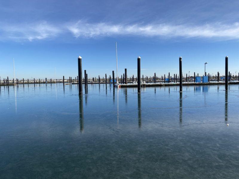 Hafen Schilksee Liegeplätze Winter mit Eis