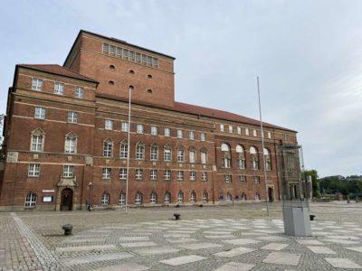 Opernhaus Kiel Seitenansicht Rathausplatz