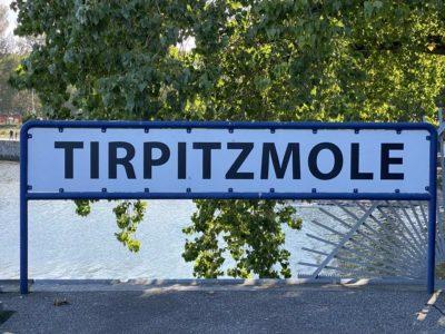 Tirpitzmole Schild Marinestützpunkt Kiel