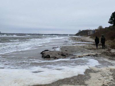 Hochwasser Schilksee Strand