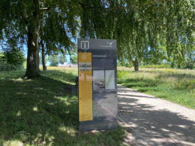 Schleusenpark Kiel Informationstafel Zugang Herthastraße