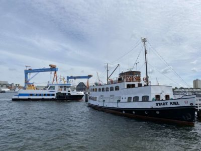 Schiffe Seegartenbrücke Kiel