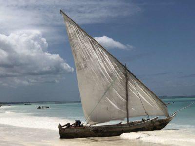 Segelboot Pause nach Nesselkutter Netzgetüdel