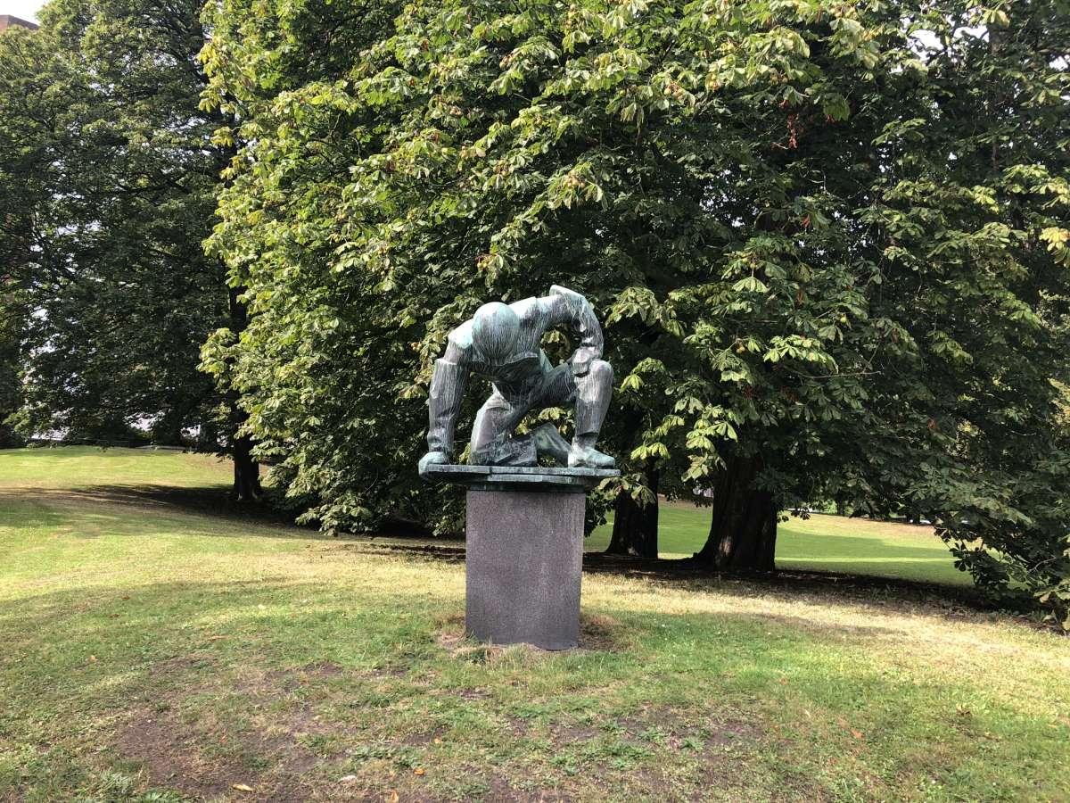 Skulptur Werftarbeiter in Kiel von Walter Rössler