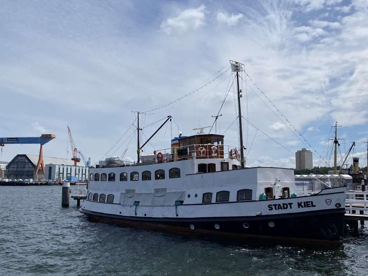 MS Stadt Kiel Salonschiff