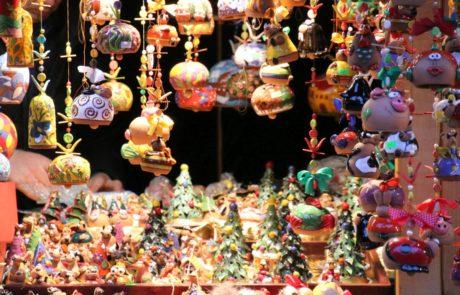 Weihnachtsdekoration auf dem Weihnachtsmarkt Asmus-Bremer-Platz Kiel