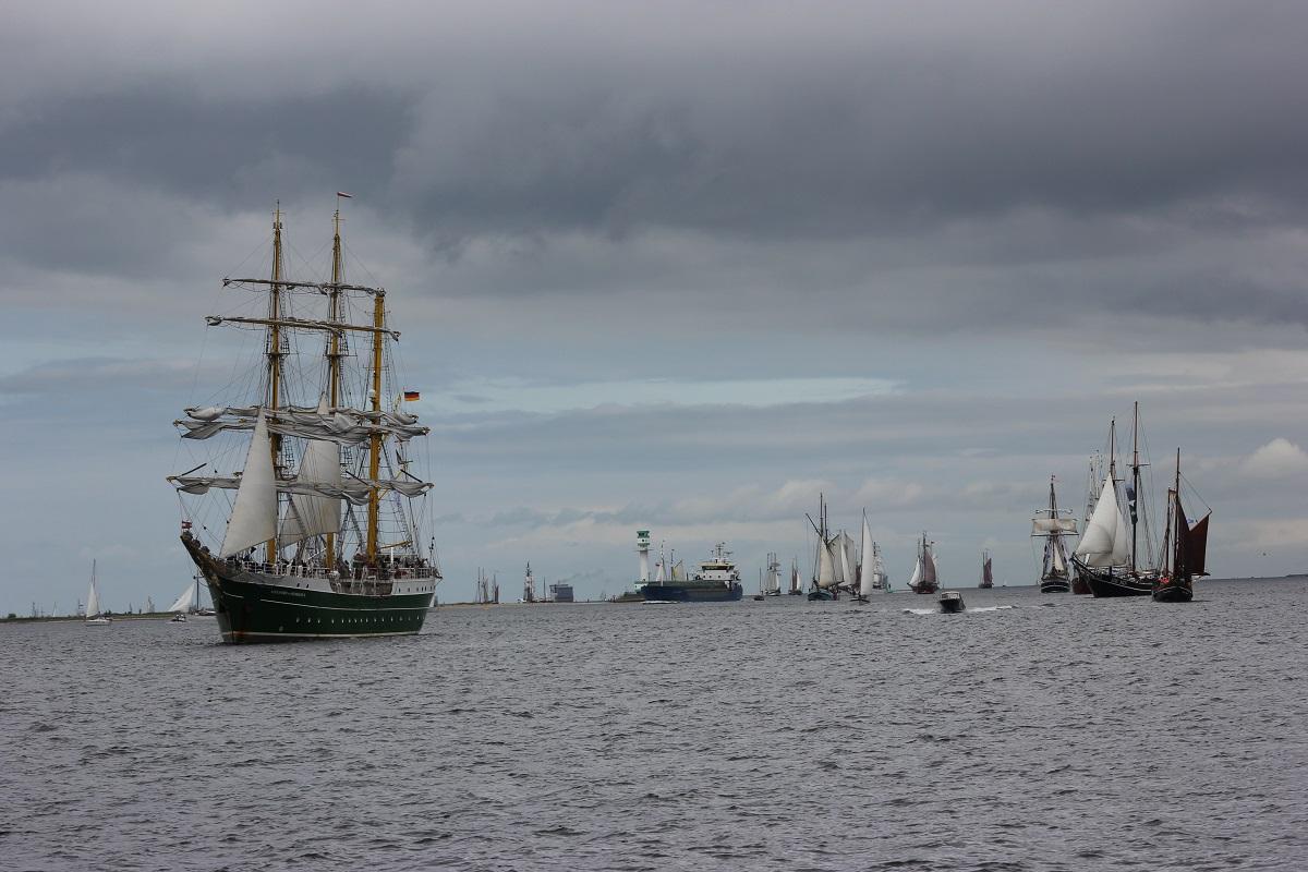 Alexander von Humboldt II in der Kieler Förde