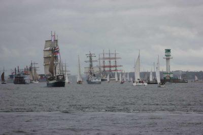 Kieler Woche Windjammerparade 2013 Schiffe am Leuchtturm Friedrichsort