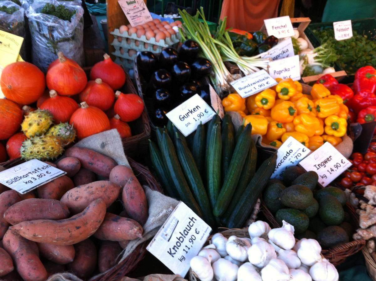 Wochenmarkt in Kiel auf dem Blücherplatz