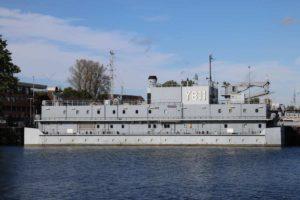 Y 811 Knurrhahn Wohnschiff Deutsche Marine in Kiel